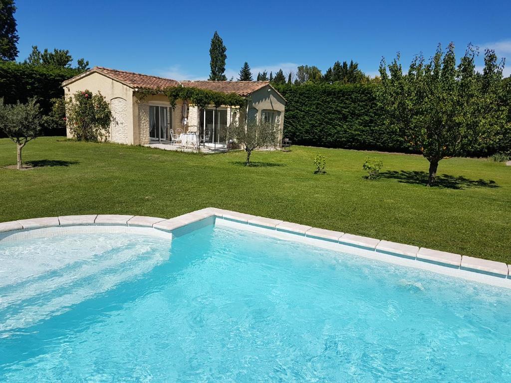 Gite avec piscine en campagne provencale france pernes les fontaines - Gite dans les landes avec piscine ...
