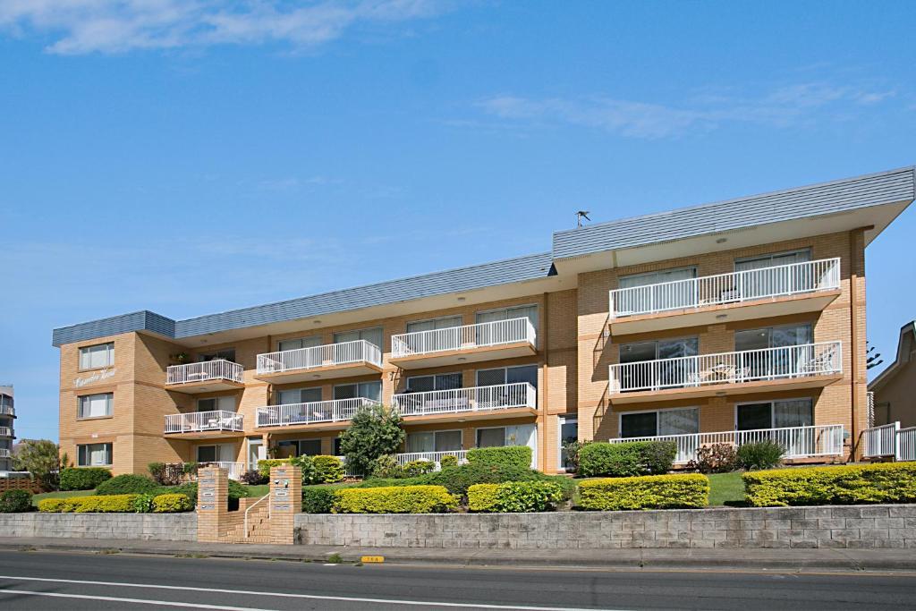 Camden house gold coast australia for Camden home