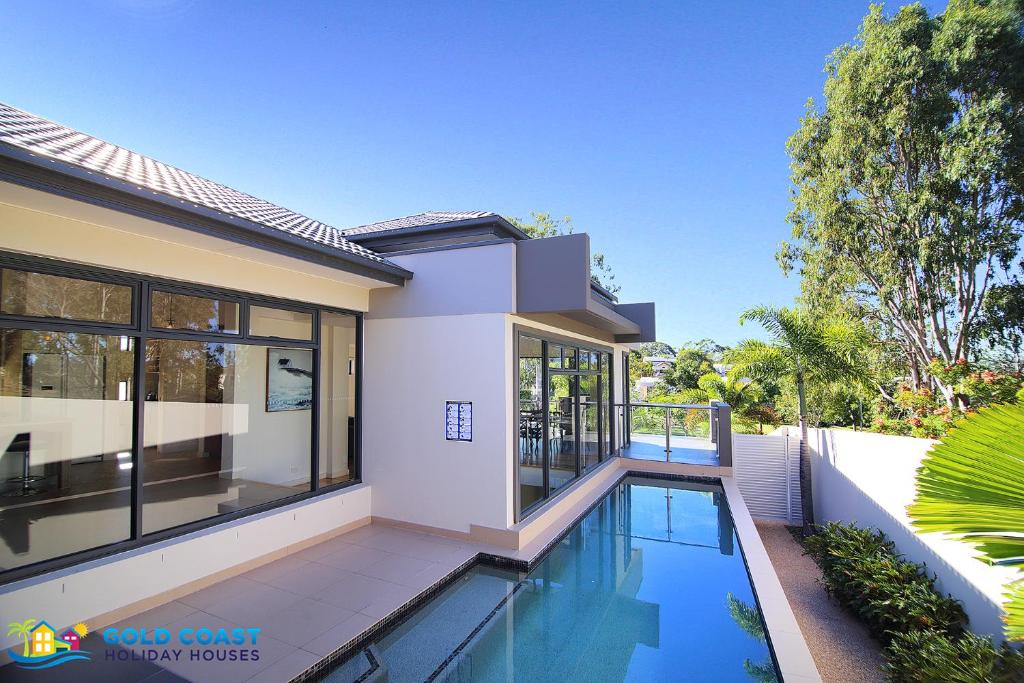 Holiday home gold coast australia pictures