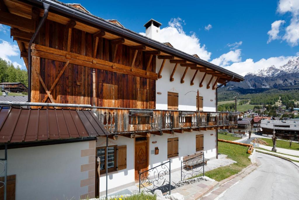 Chalet Ronco - Stayincortina, Cortina d'Ampezzo – Precios ...