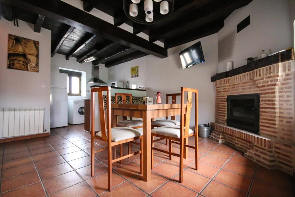 Casa de Campo Casa Soria (Espanha Fuentelpuerco) - Booking.com
