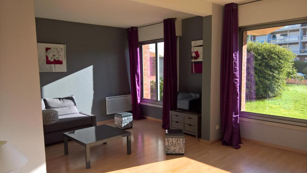 Apartments In Oneux Picardy