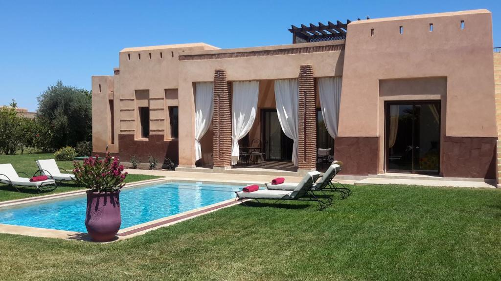 villa privee de luxe avec piscine privee maroc marrakech. Black Bedroom Furniture Sets. Home Design Ideas