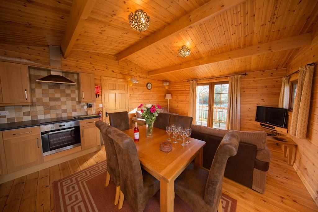 lodge wall eden farm luxury log cabins highbridge uk booking com