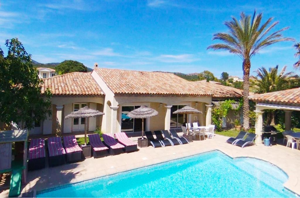 Luxueuse Villa Récente à Saint Raphaël de Plain Pied, Saint-Raphaël ...