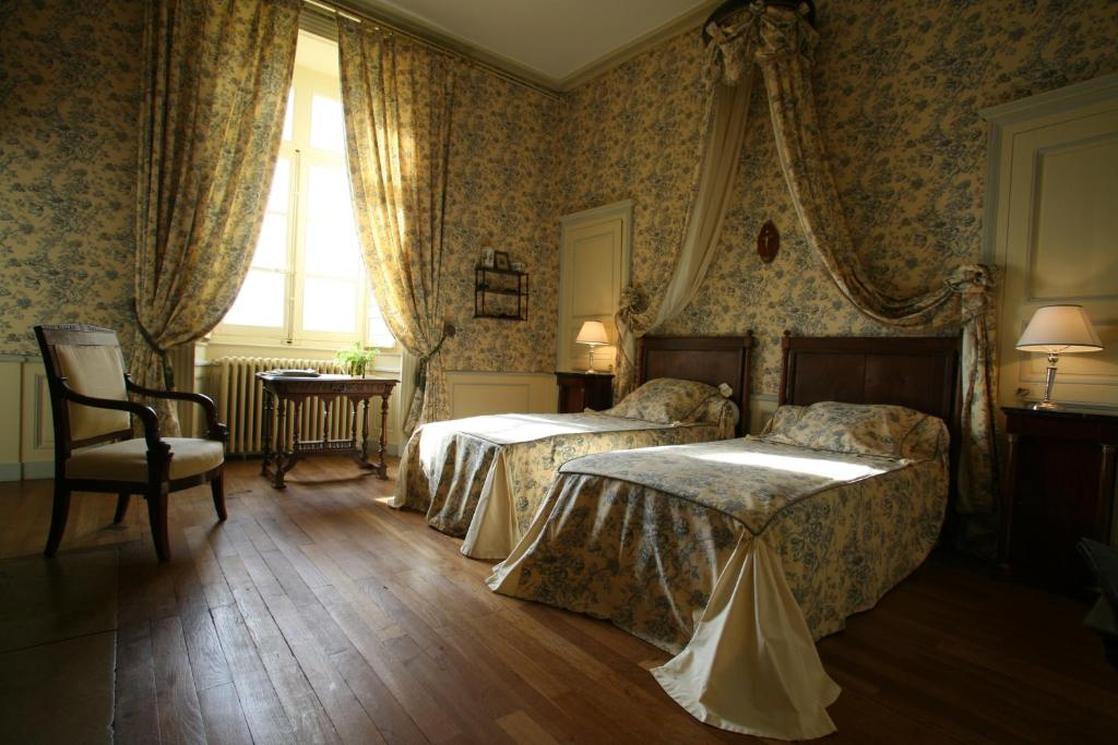 B B Chambres D Hotes Chateau De Beaujeu France Sens Beaujeu