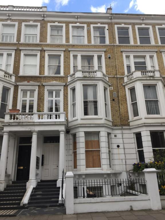 3 Bedroom Luxury Apartments London, UK - Booking.com