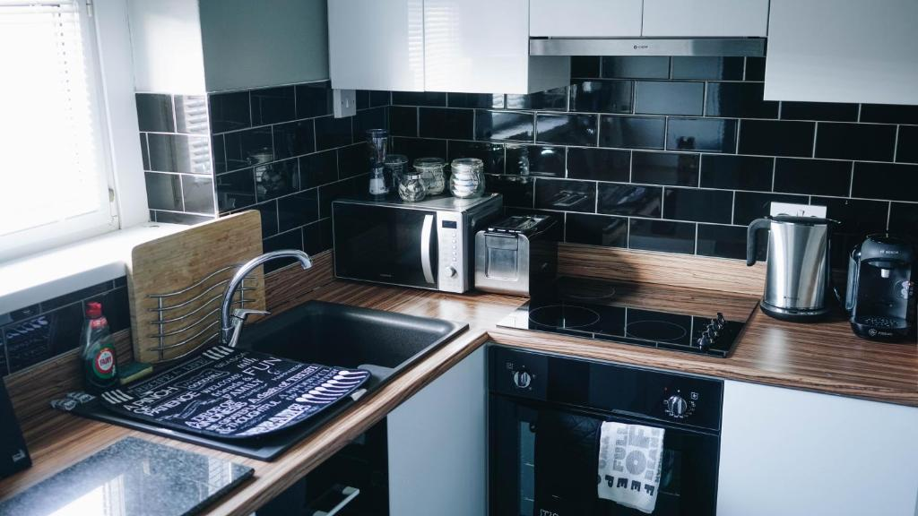 Aaron Wise Apartments, Cardiff – Updated 2018 Prices