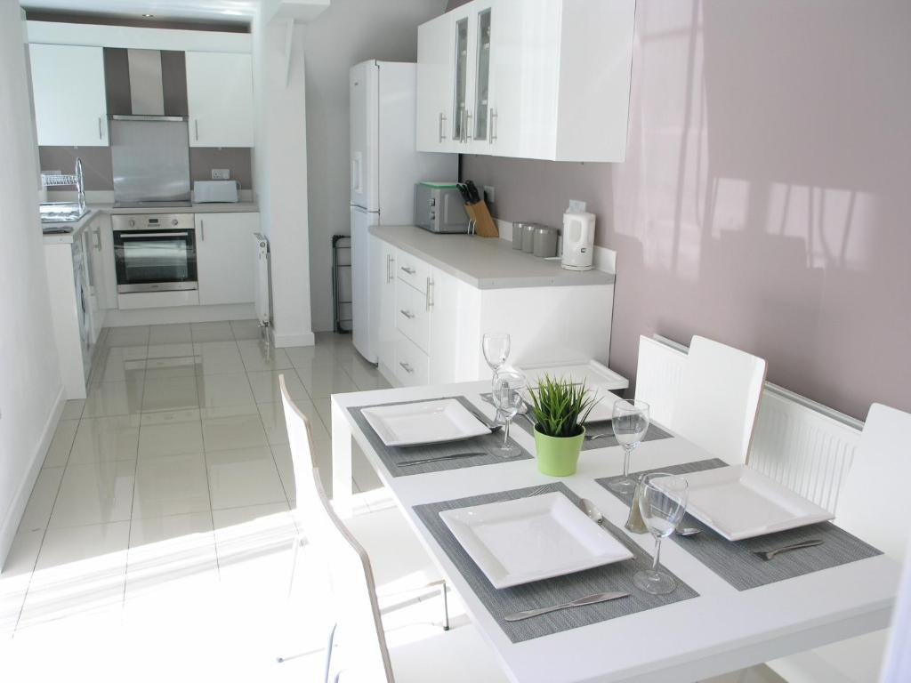 St Vincent Holiday Let South Shields Updated 2018 Prices Average Cost Of Rewiring A 3 Bed House Gallery Image This Property