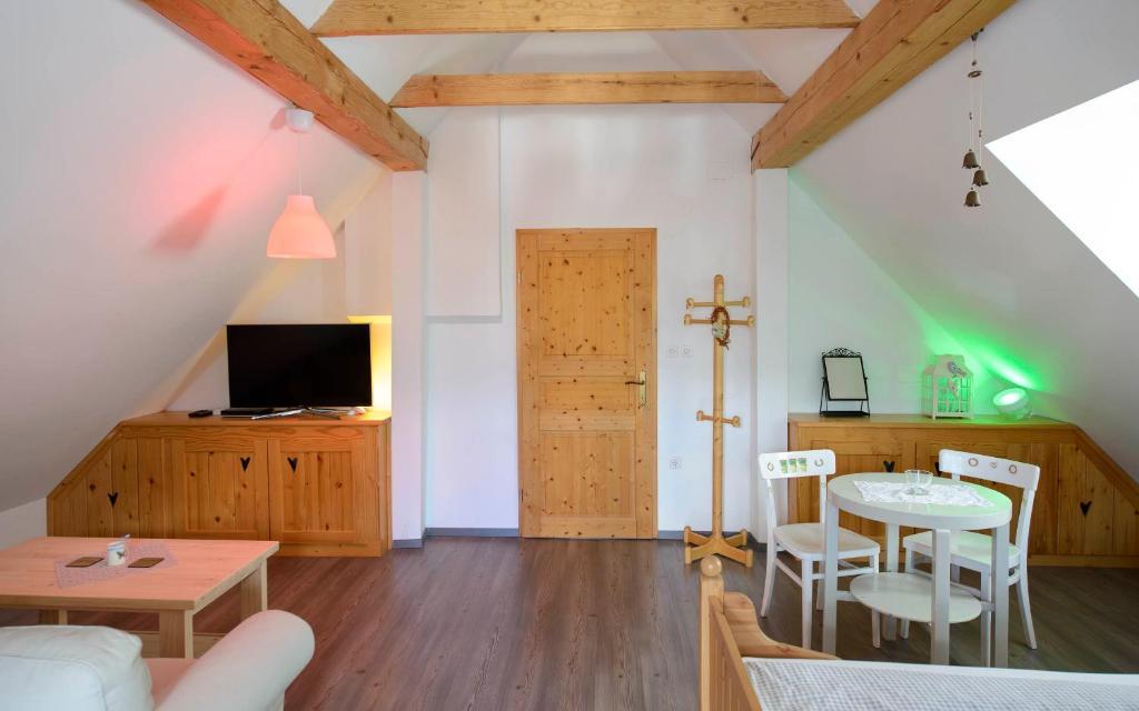 country house rustic house 13 bohinj slovenia booking com rh booking com rustic house 13 bohinj Minecraft Rustic House