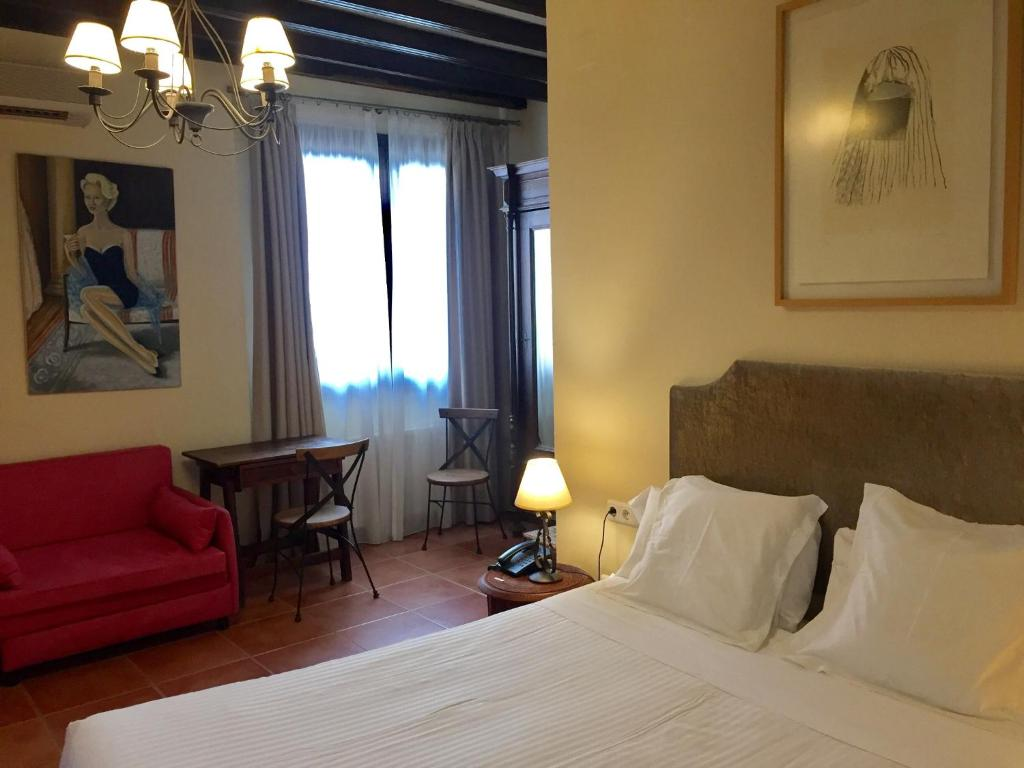 boutique hotels in granada  125