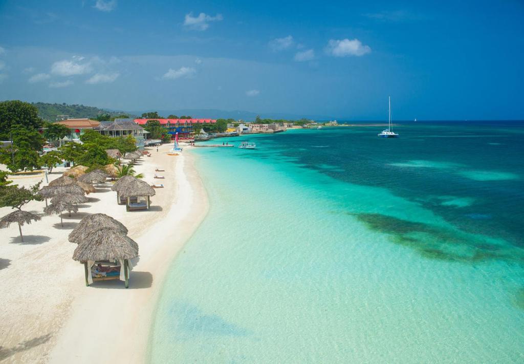 flirting games at the beach club resort jamaica all inclusive