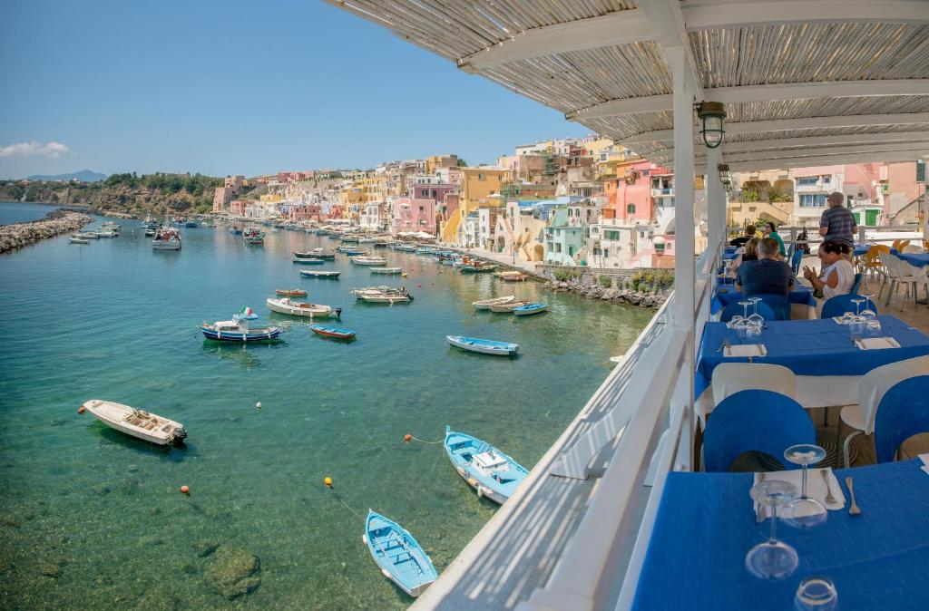 Boutique Hotels Naples Italy