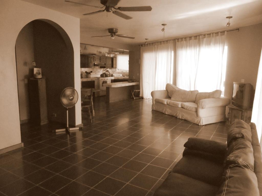 Hotel SURFER\'S PARADISE, YOGA&FOOD GARDEN@COSTA AZUL, LOS CABOS, San ...