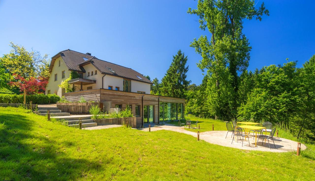 Bed And Breakfasts In Céroux-mousty Walloon Brabant