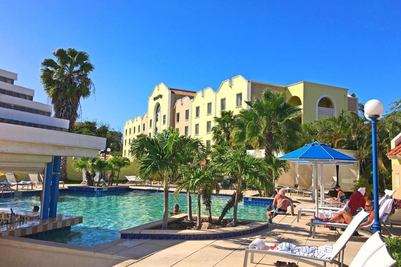 Hotels In Eagle Beach