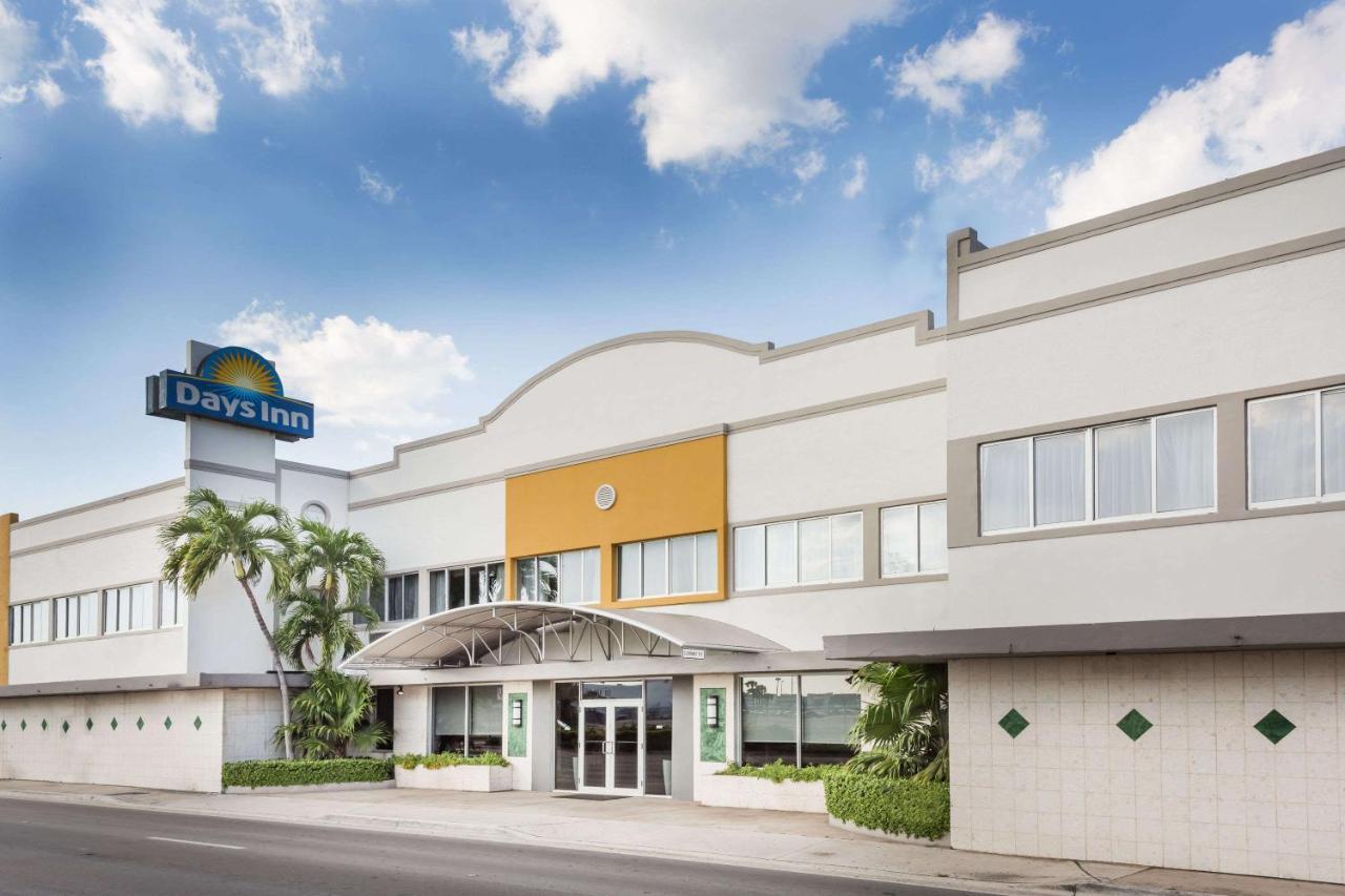 Hotels In East Perrine Florida