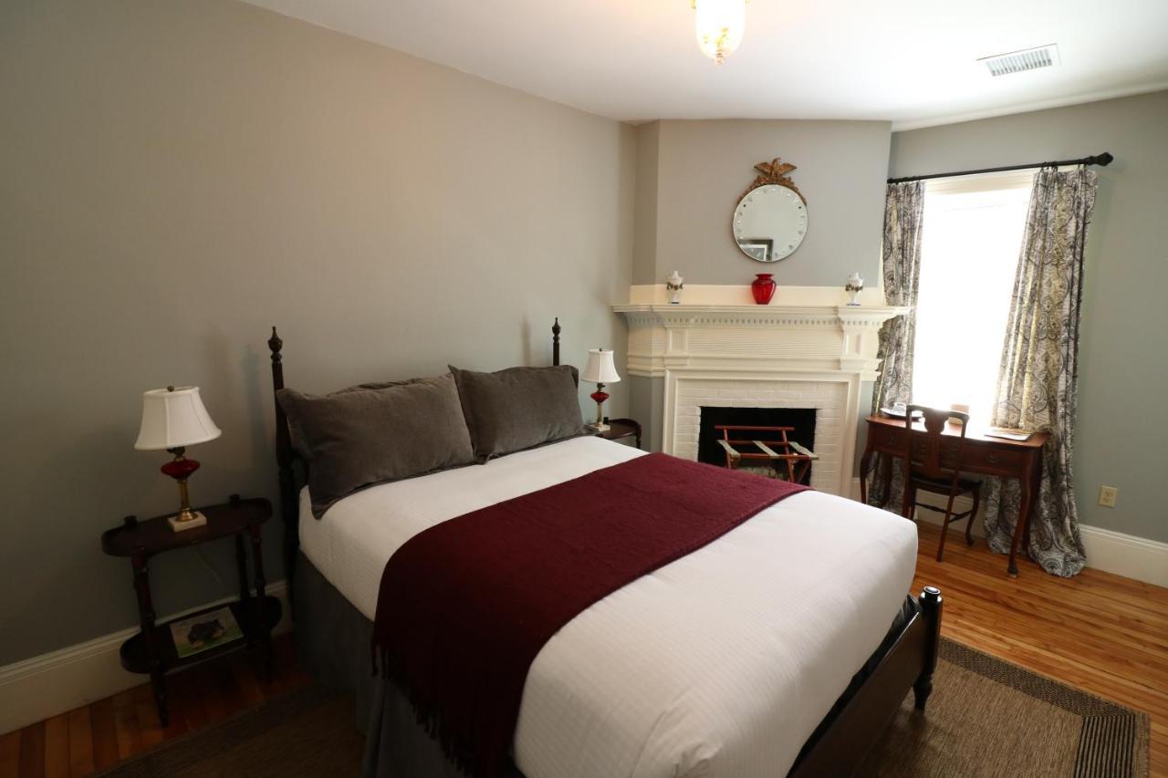 Hotels In Brownsville Vermont