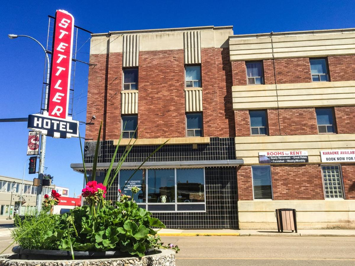 Hotels In Red Willow Alberta