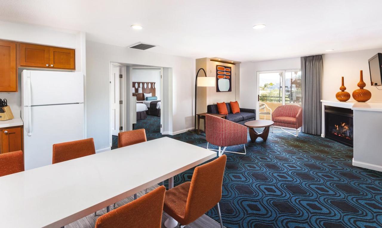Hotel WorldMark Palm Springs, CA - Booking.com