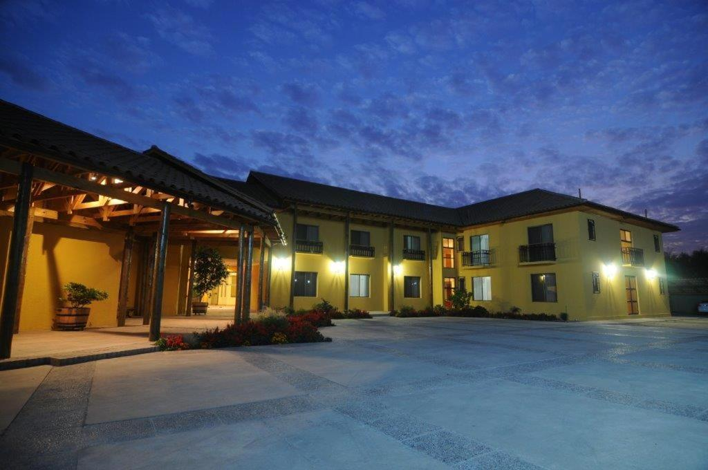 Hotels In Los Lingues O