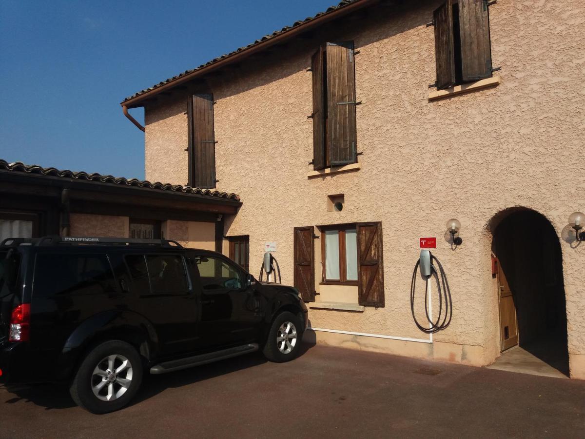 Hotels In Quincié-en-beaujolais Rhône-alps