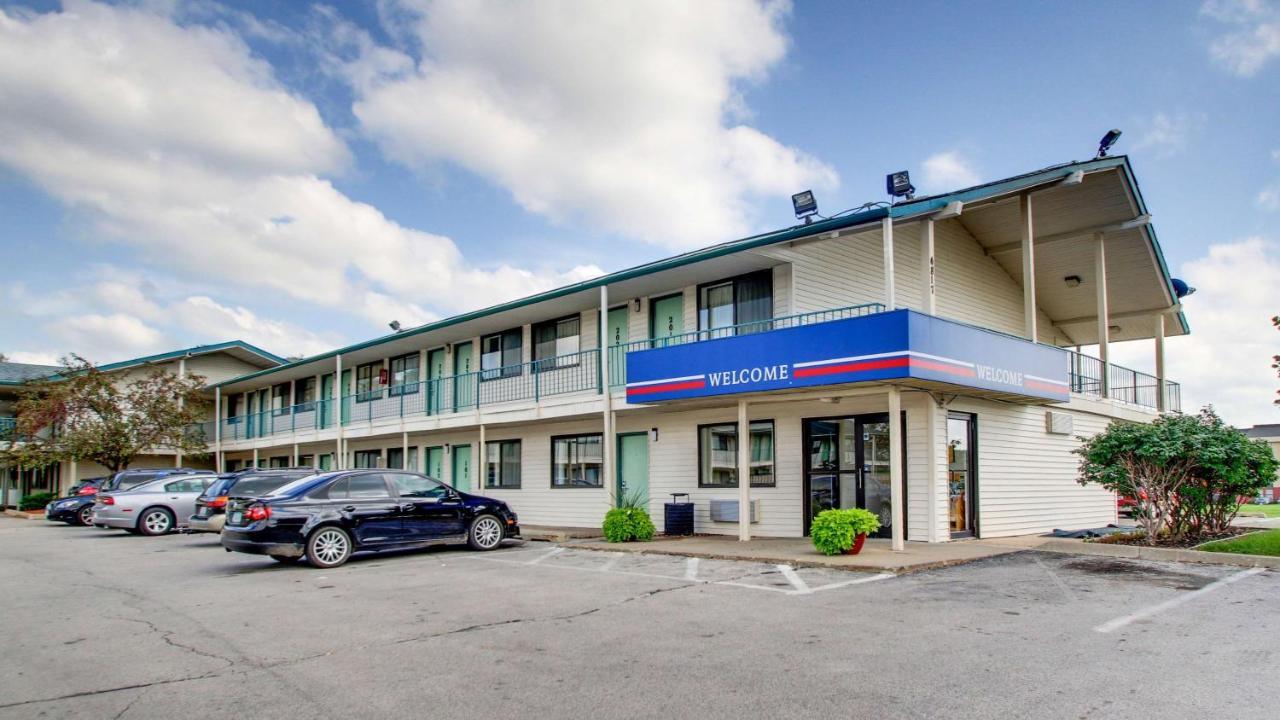 Hotels In Indianola Iowa