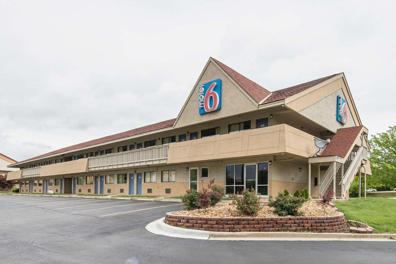 Hotels In Grandview Missouri
