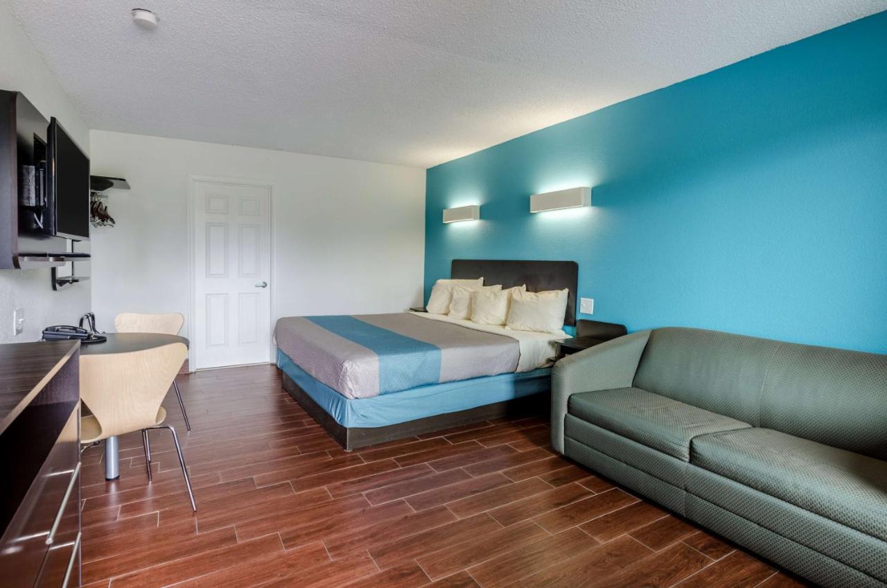 Motel 6 Lexington, VA - Booking.com