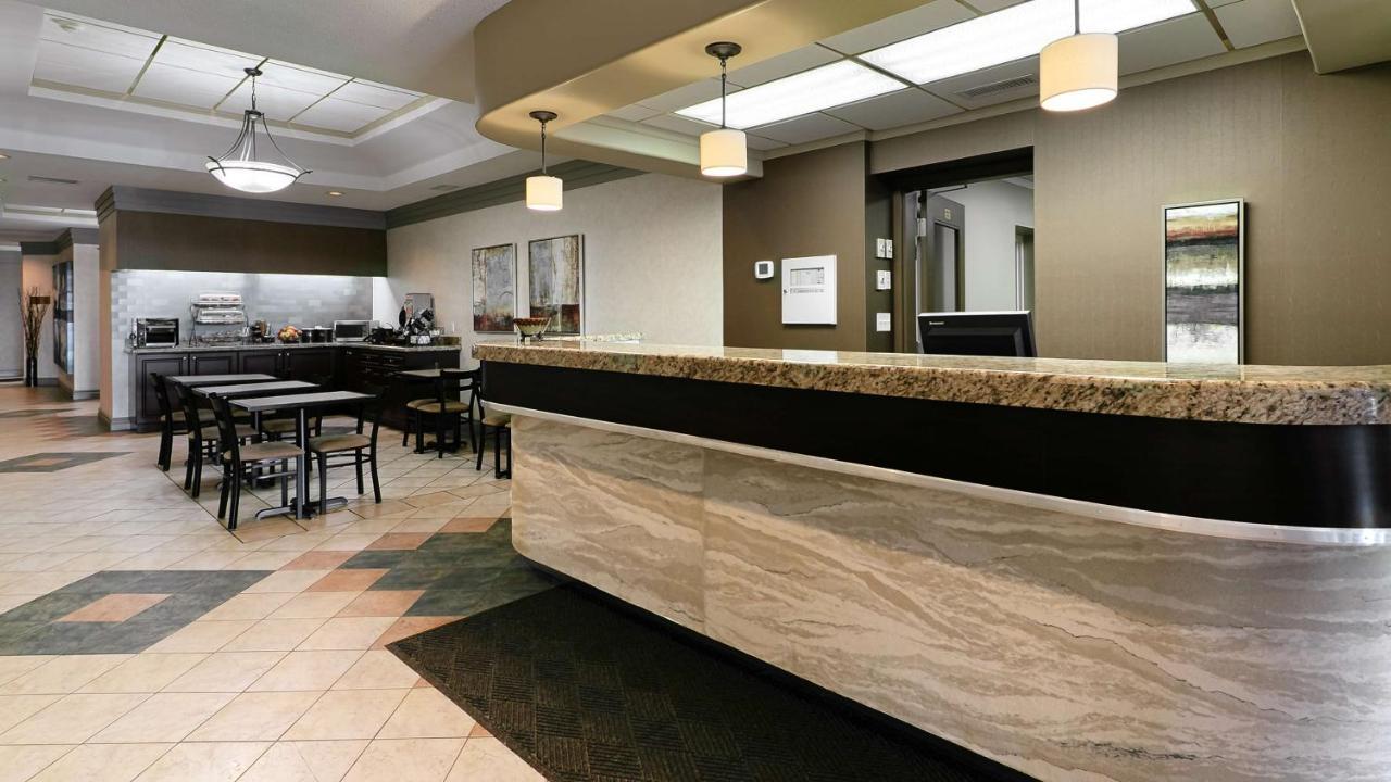 Hotels In Cochrane Ontario