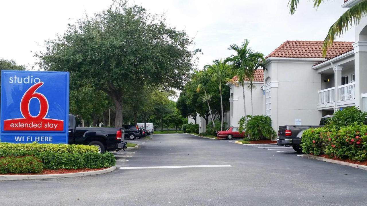 Hotels In Lake Belvedere Estates Florida