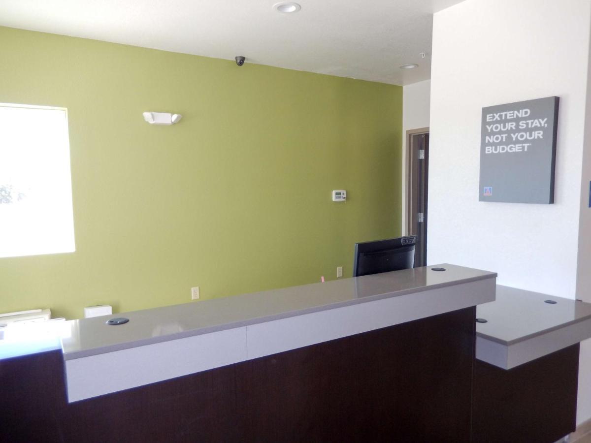Hotel Studio 6 Yukon, OK - Booking.com