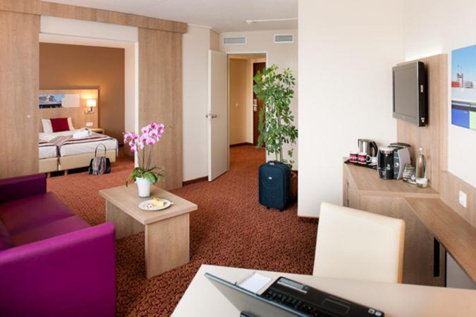 Mercure Hotel Hamburg Am Volkspark Deutschland Hamburg Booking Com