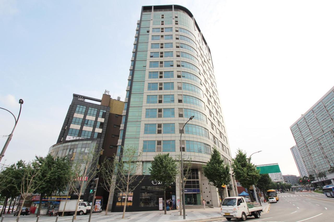 202 House Seoulstation Mint Residence Seoul Station South Korea Bookingcom