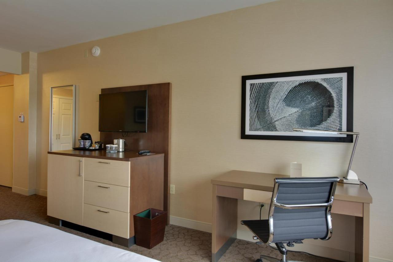 DoubleTree Hotel Williamsburg, VA - Booking.com
