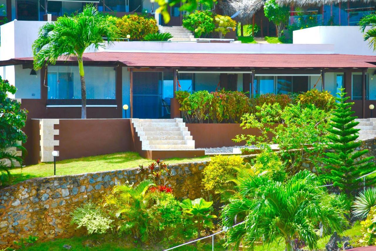 Resorts In El Limón