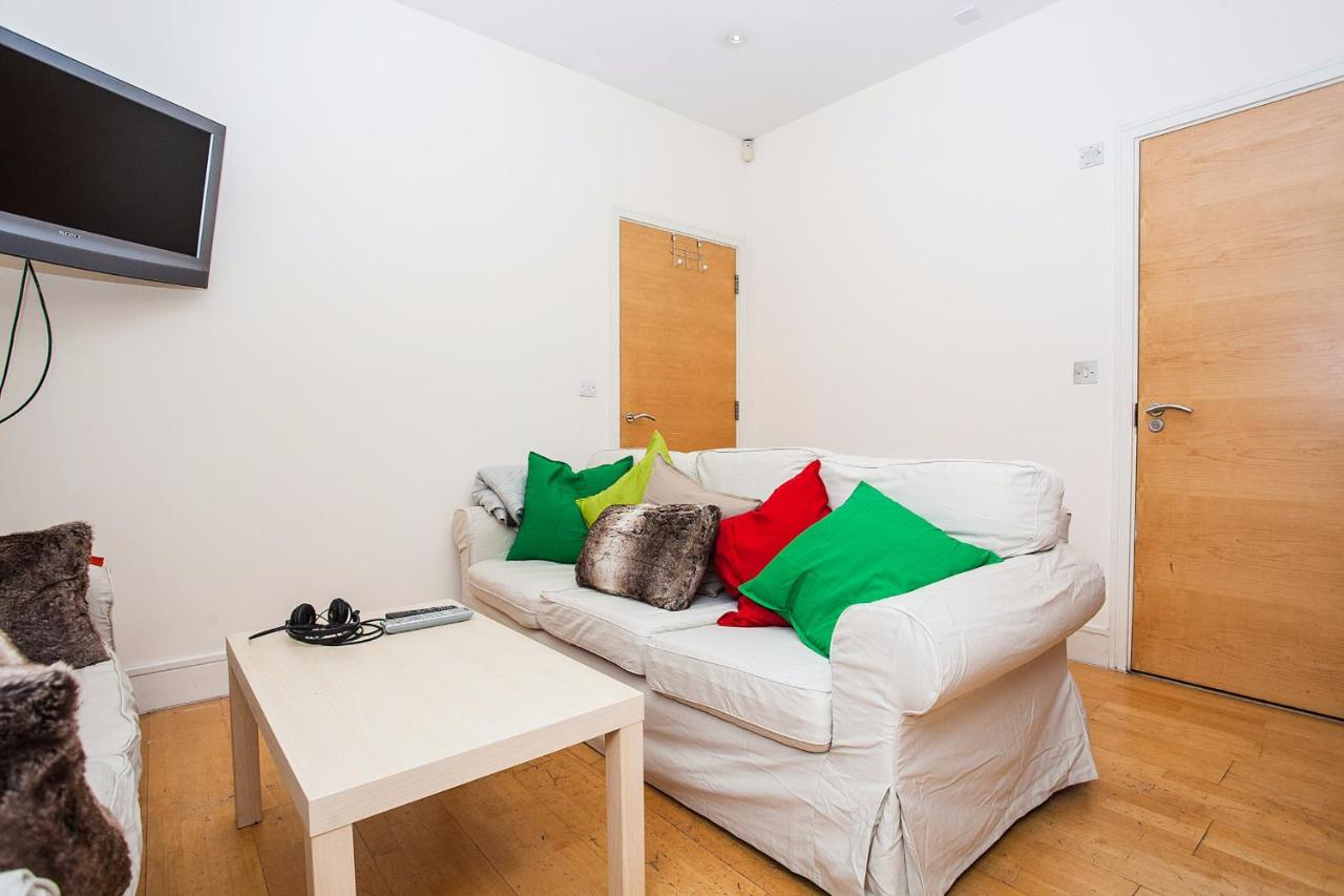 Apartment Modern & Spacious Home on Old Kent Road, London, UK ...