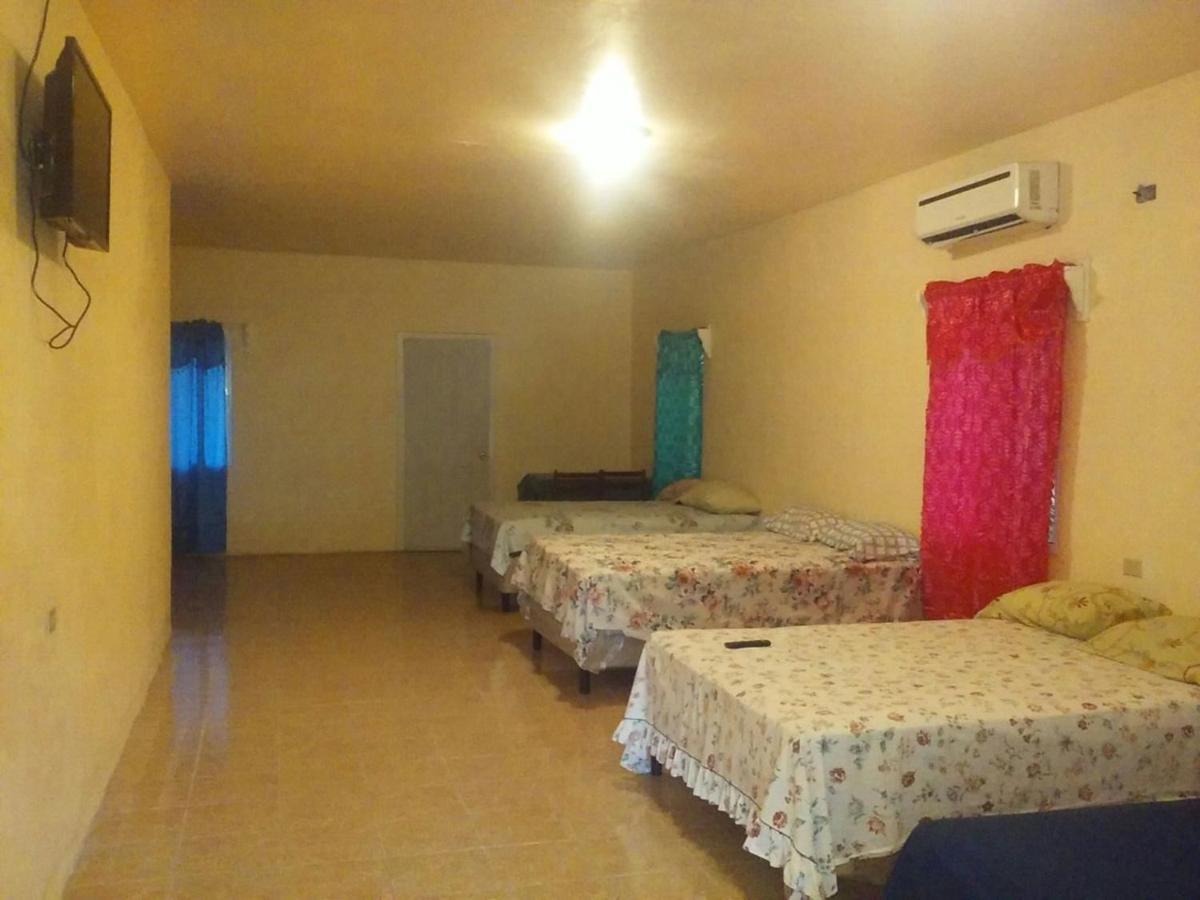 Hotels In Six Huts Roatan Island