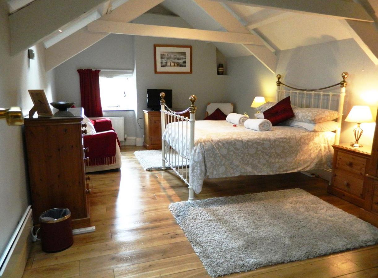 Bed And Breakfasts In Sampford Spiney Devon