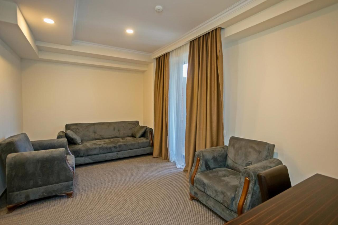 Hotel Genio (GEO Tbilisi City) - Booking.com