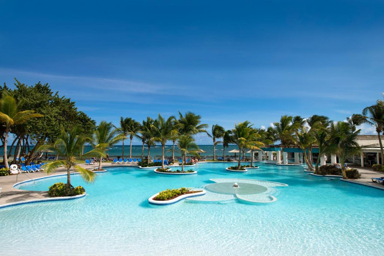 Resorts In Black Bay