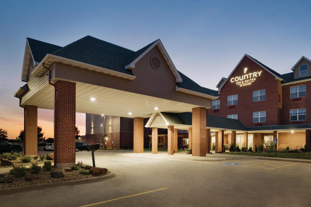 Hotels In Oakdale Iowa