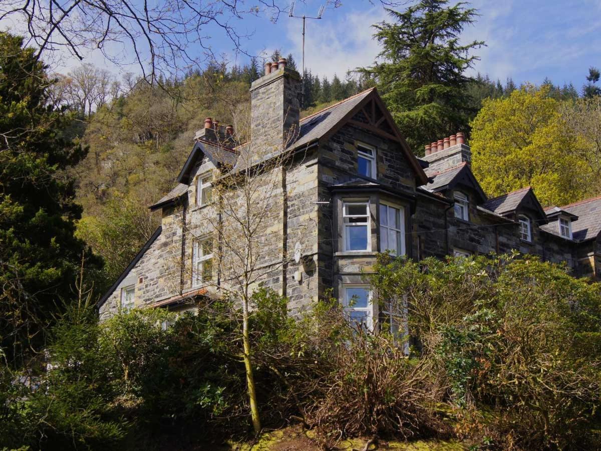 Hostels In Rhôs-on-sea Clwyd