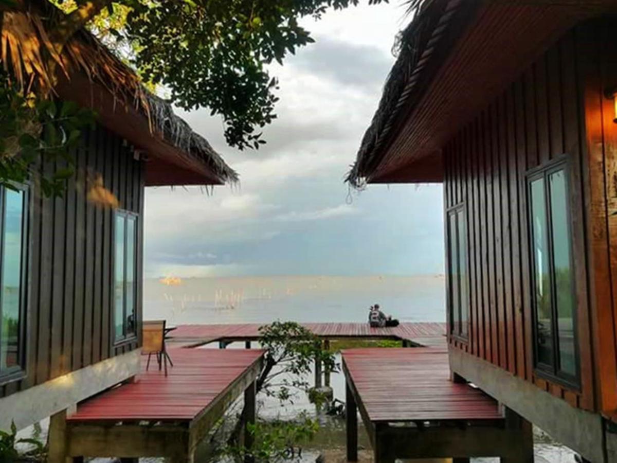Resort Charn Mai Chai Lay, Phatthalung, Thailand - Booking.com
