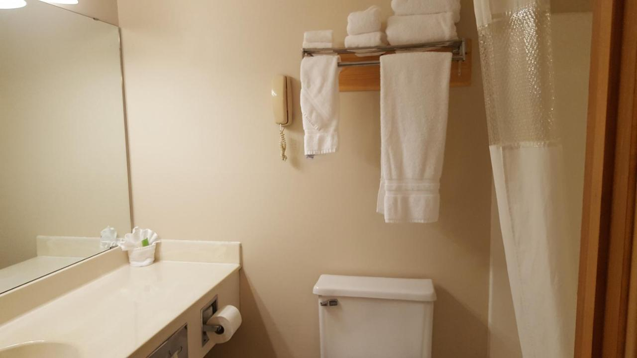 suites us states motel comforter united comfort hotel ca from booked hayward wi