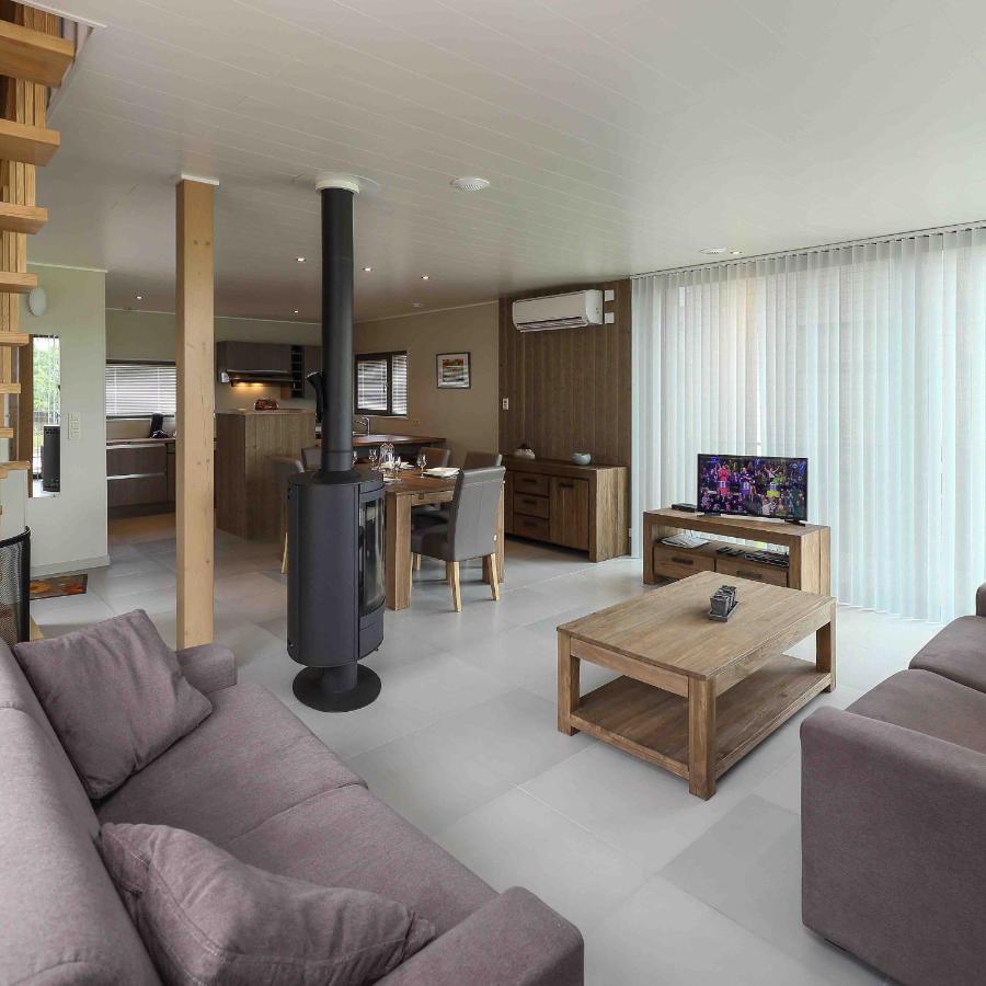 Golden Lakes Village Ardennes Boussu Lez Walcourt Updated  # Living Salon Bois Emplacement Tv