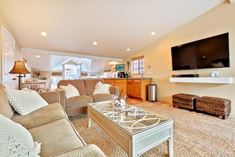 Nb 210b Newport Rooftop Studio Studio Apartment Newport Beach Ca
