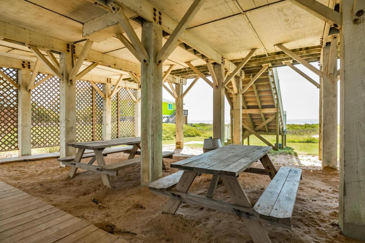 Vacation Home Beachfront Haven, Galveston, TX - Booking.com