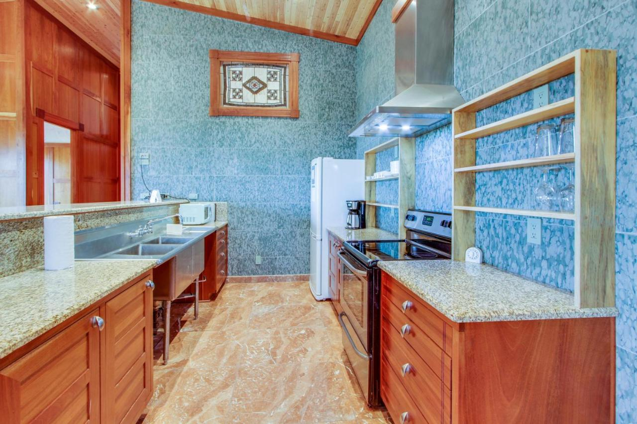 Vacation Home The Marble House, Ophir, OR - Booking.com