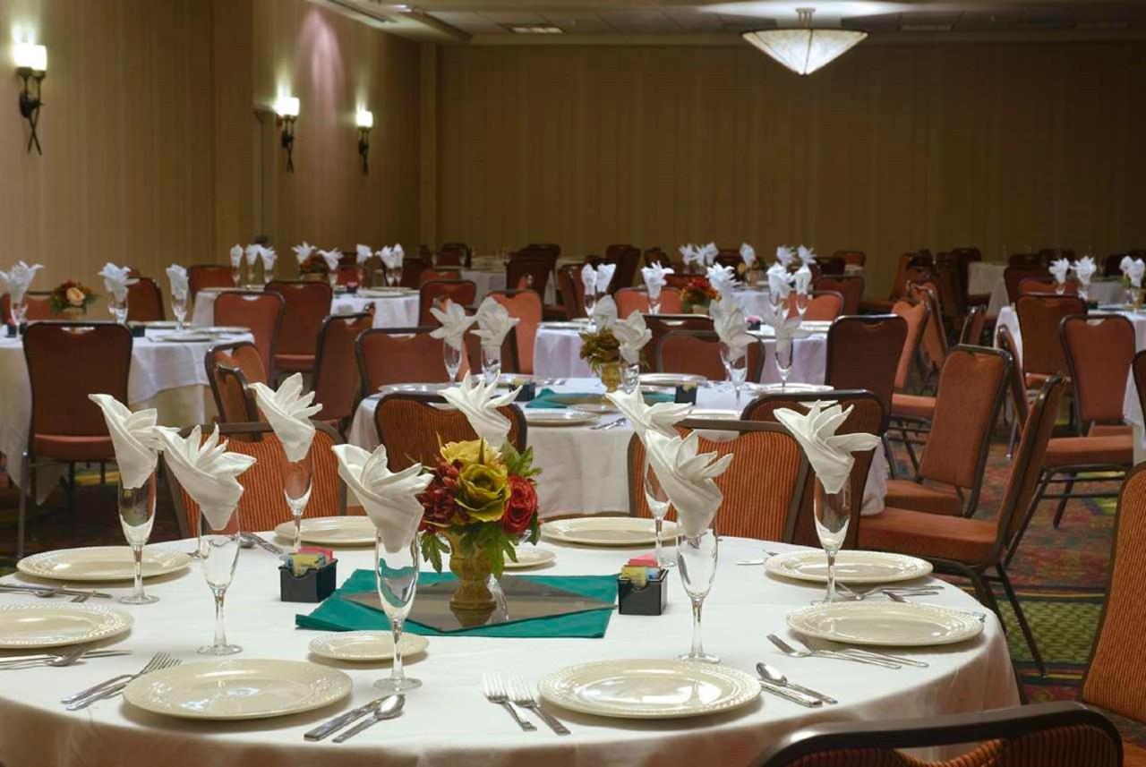 Hilton Garden Inn Albuquerque, NM - Booking.com